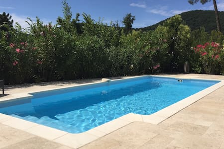 VILLA COCO - with private pool - La Mole - Huvila