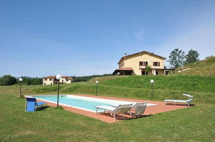 Stunning flat in the heart of Tuscany for rent