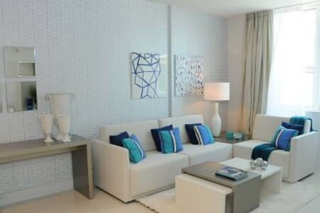 LUXURY Suite by the Beach! - Boynton Beach - Condomínio
