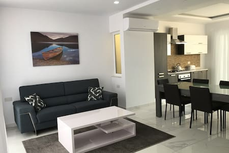 Luxury Penthouse Malta - Xgħajra