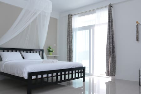 Morning mist by Hasu Guesthouse - Hat Yai - Huis