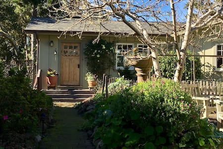 Spacious Guest House in the Forest Near the Beach - Pacific Grove