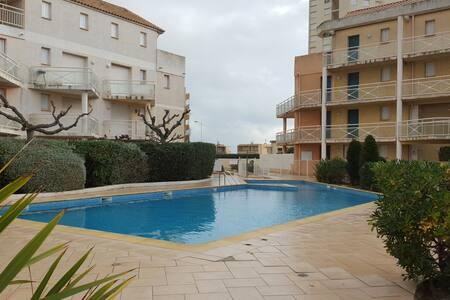 Pavillon de 3 pièces, piscine, parking sécurisé - Valras-Plage