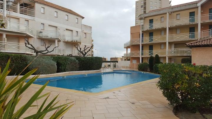 Pavillon de 3 pièces, piscine, parking sécurisé