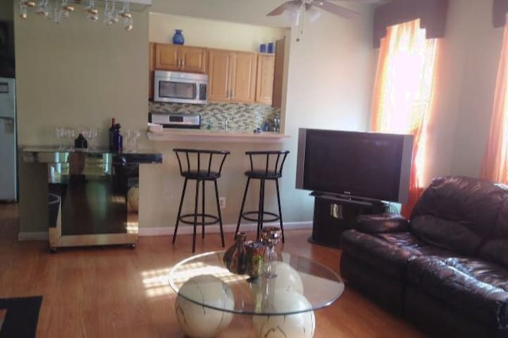 Spacious two bedrooms condo in upper Manhattan