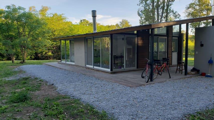 Cabaña moderna en barrio a Orillas del Parana