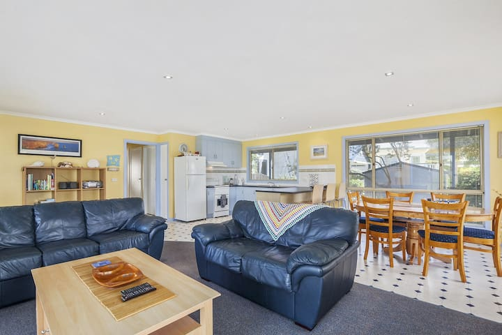 BANKSIA BREEZE - AFFORDABLE, WELL PRESENTED, GREAT LOCATION