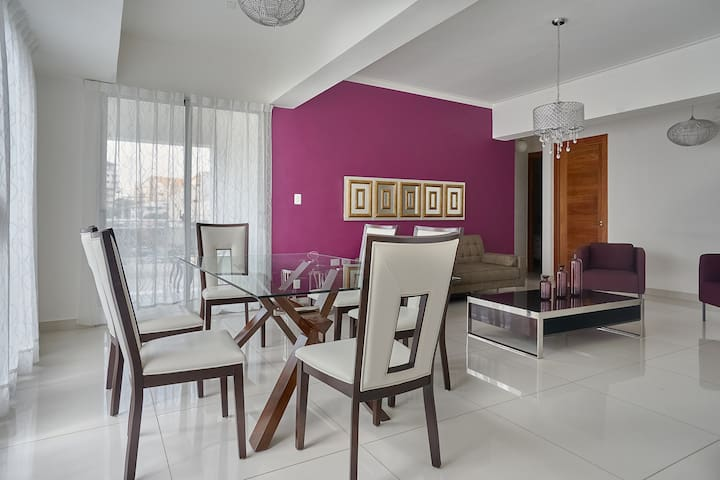 Chic Central 3 Bedroom with Balcony & Amenities