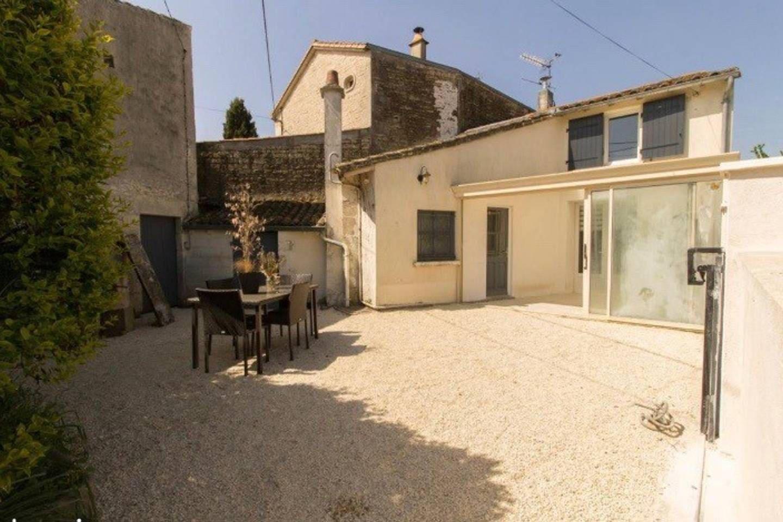 Maison de 80 m2 avec en plus sa véranda  et sa cour bien clôturer.