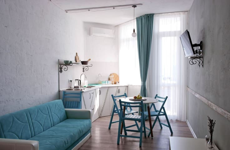 Fresh & Relaxing Seaside Studio