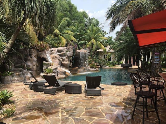 A west Ft. Lauderdale hideaway - Davie - House