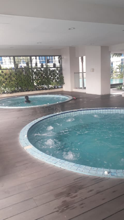 Relaxing place to stay at the heart of Jakarta