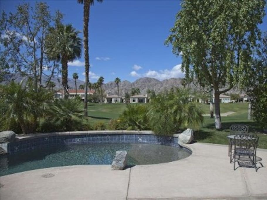 Private pool and hot tub with a wonderful view of the mountains and golf course - all day sun ☀️