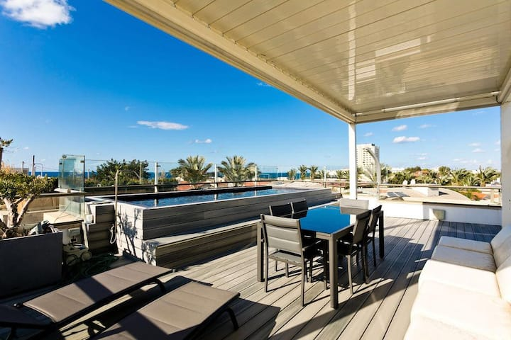 AMAZING 3 BDR-ROOFTOP WITH PRIVATE POOL - PARKING
