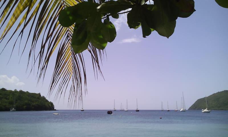 Chambre calme, climatisée et SdBain, 30m plage