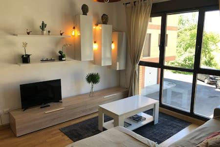 Acogedor apartamento en Ezcaray con piscina.