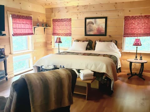 Trail Kitchen Cal. King size bed with Breakfast!
