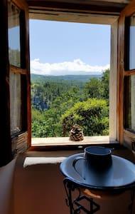 La casetta bianca nella valle dell'Orta - Bolognano