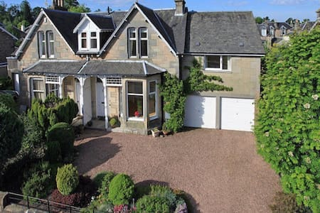 Victorian semi-detached villa - Perth