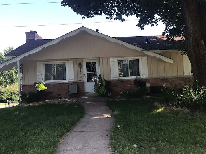 Lovely 2 bed 2 bathroom home to rent
