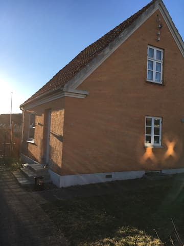 Cosy family villa 20 min from Copenhagen Centre - Taastrup - Casa