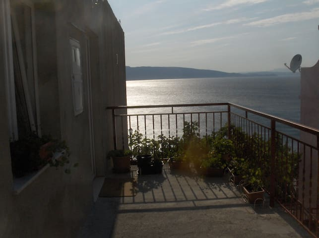 APP WITH SUNNY TERASSE - Senj - Apartament