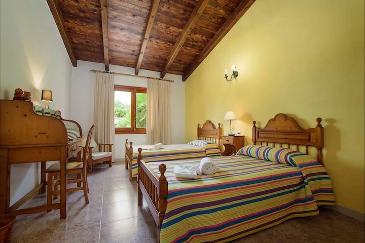 Bedroom 4 of 4, Twin Bedroom