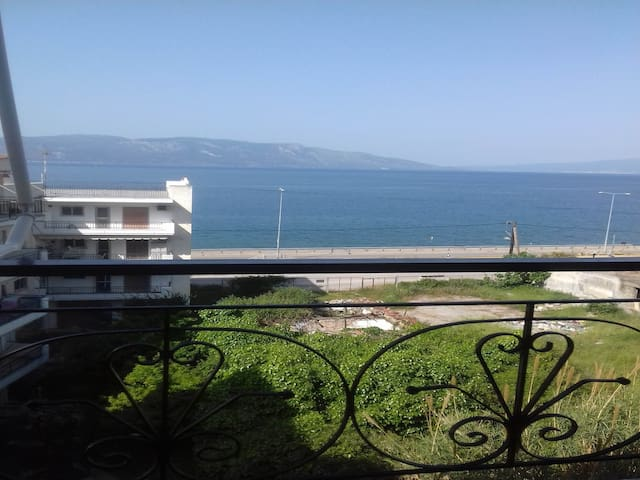 Angelika Apartment is a sea view apartment pe...