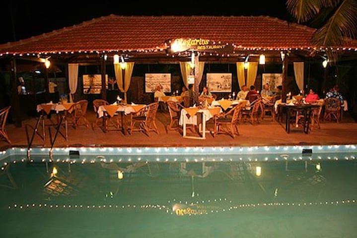 Suite Room Near Candolim Beach Goa - Arpora - Bed & Breakfast