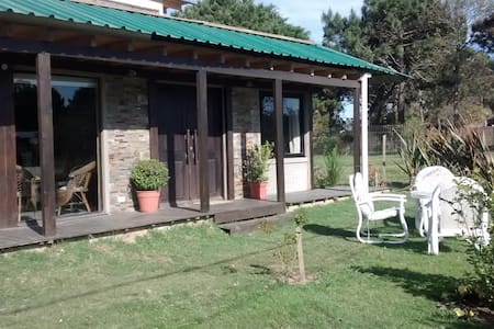 Hermosa Casa en balneario Bs, Aires - Casa