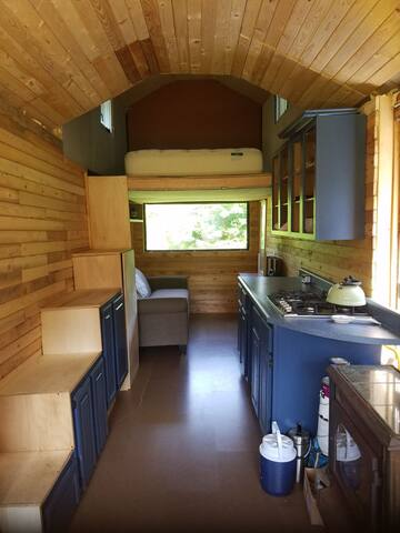 Sweet Tiny House in the woods of Vermont