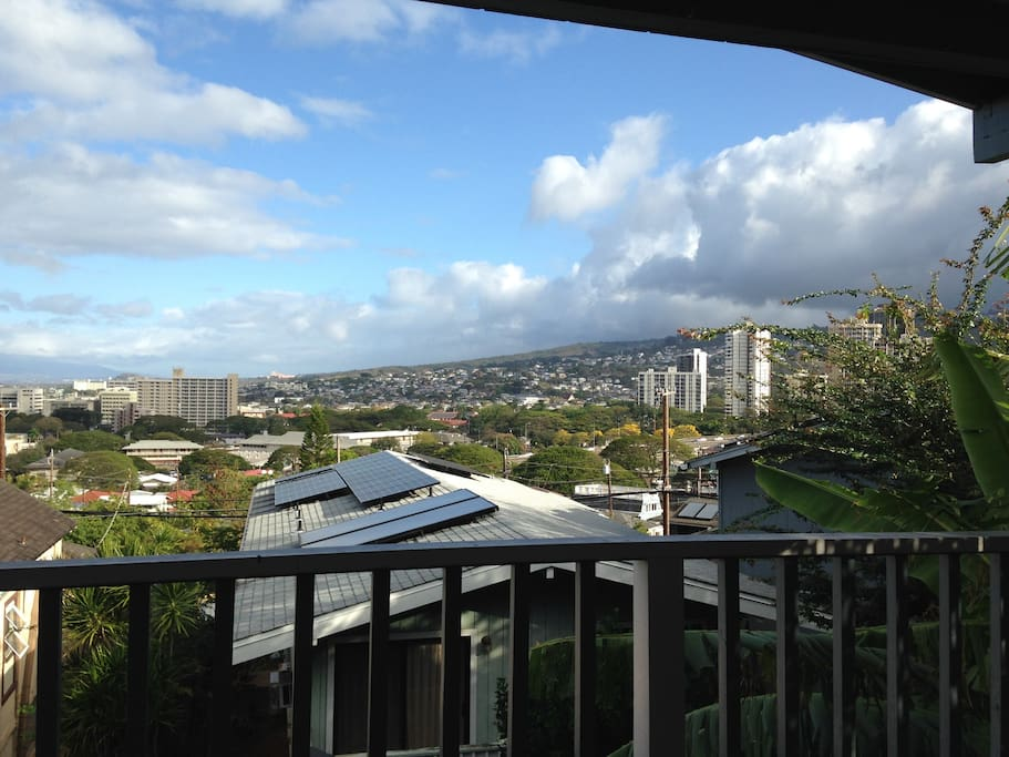 Family home in honolulu houses for rent in honolulu for Hawaii home building packages