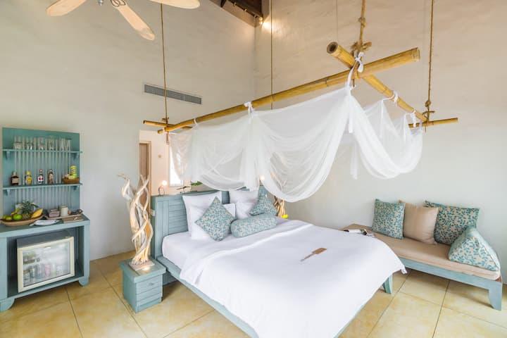 Room with Bathtub + Free Pak Bia Trip + Yoga Class