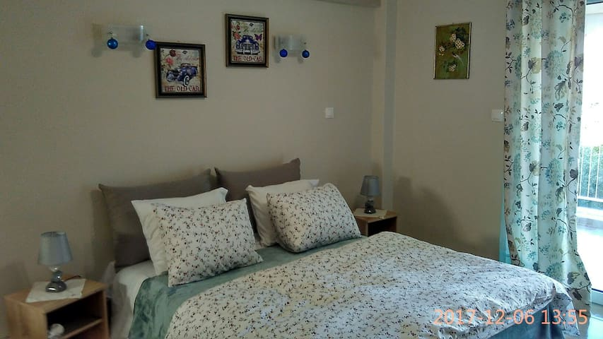 Studio near the beach, close Athens Int. Airport