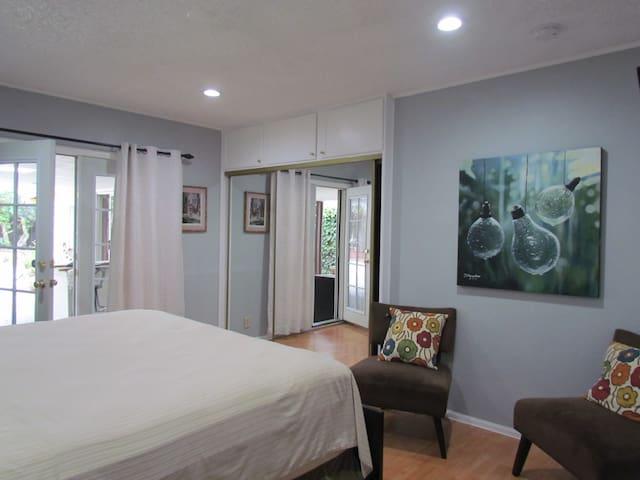 **Cozy room w/Garden View in Bixby Knolls**  LB CA