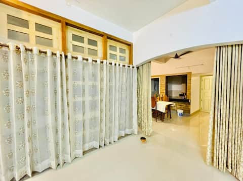 Entire serviced luxurious home- Jajabori Homestay