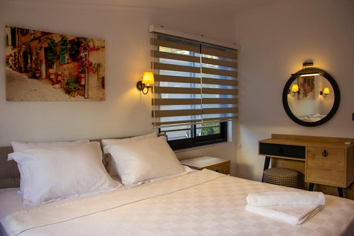 302 - (one bedroom apartment)