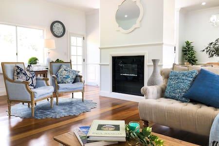 RiverRun Cottage - Country Hamptons Treat