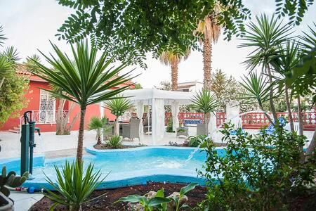 Villa Gisella a 70mt dal mare - Punta Prosciutto - - Padula Fede