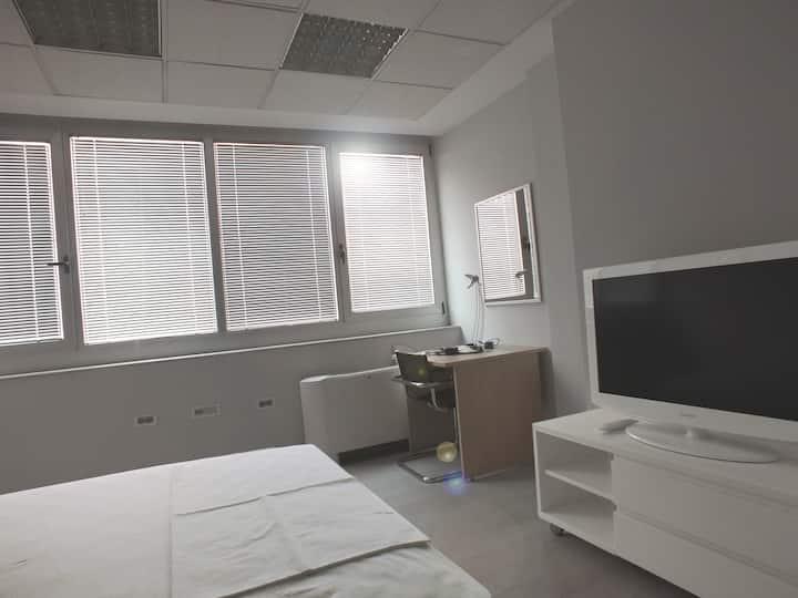 7 HILLS deluxe triple room