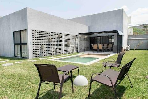 NUEVA Casa #3 El Campanario