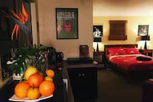 Fresh fruits from the property are served in season. The cabin is decorated with bespoke artworks made by your host and their friends.