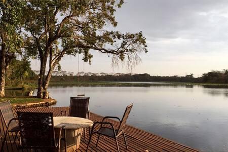 Casa de Fazenda com Lago Privado & Piscina