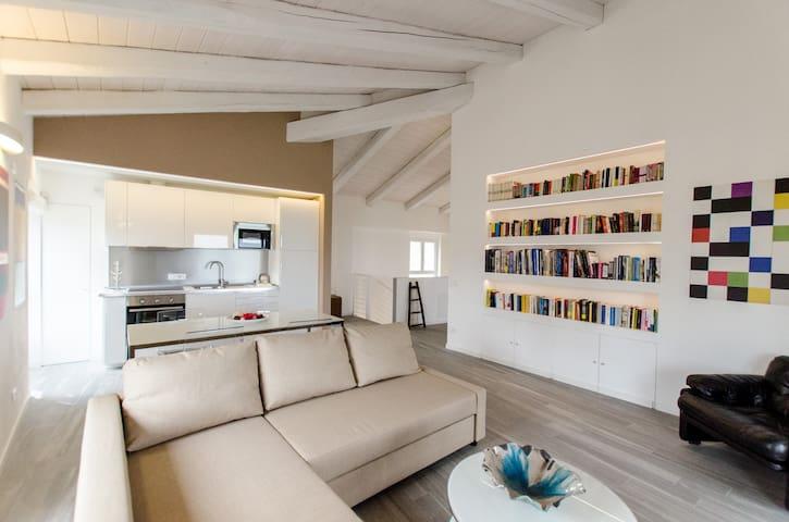 Langhe design apartment - Art, landscape & food