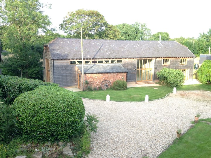 Beautifully converted 19th century barn,