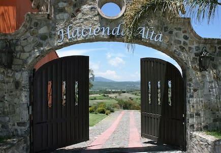 Hacienda Alta 1 at Rancho del Paso - Chapala - Dům