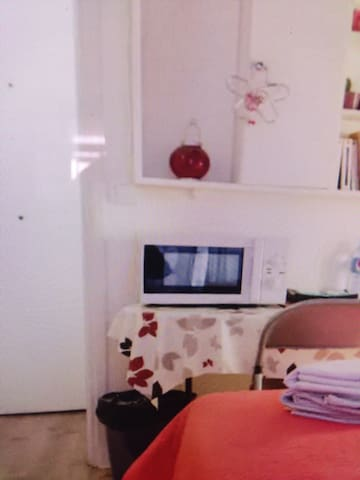 quiet and comfortable room - 耶克拉 - Apartament