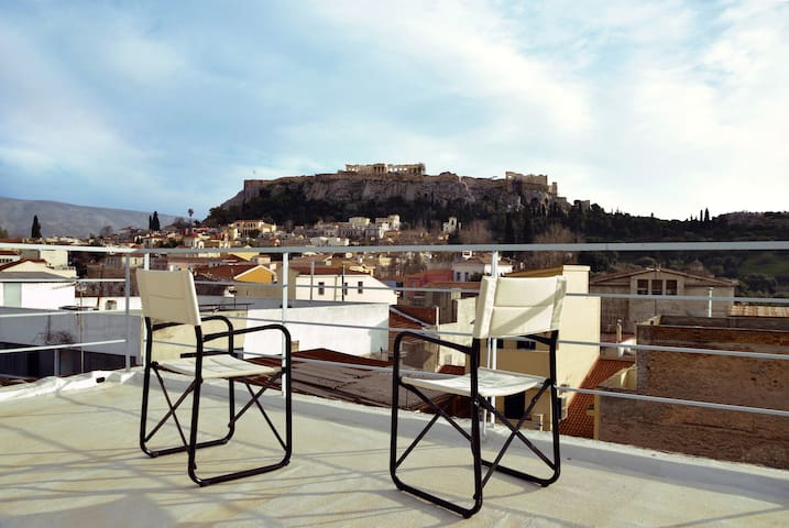 Apartment with Rooftop Terrace & Acropolis View
