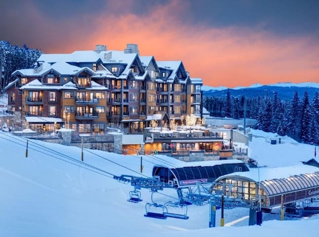 Dream location for the perfect ski vacation!