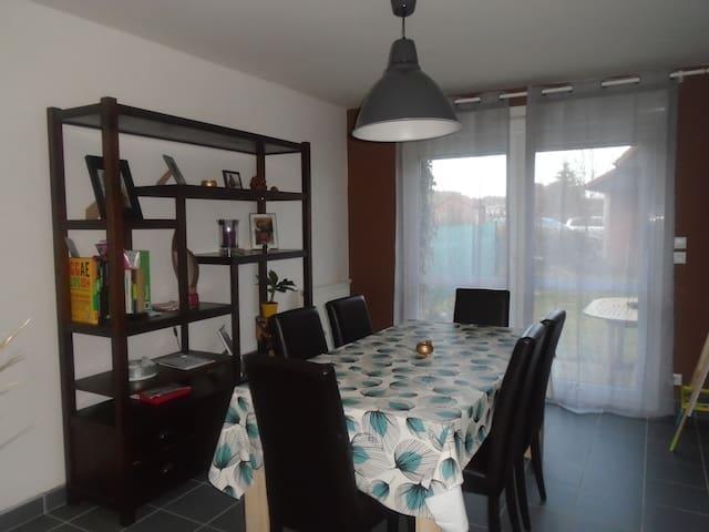 maison charmante dans quartier calme - Nieppe - Hus